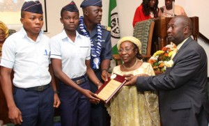 AIR-FORCE-COMPRHENSIVE-SCHOOL-RECIEVING-THEIR-AWARD-FOR-BEST-PUBLIC-SCHOOL-IN-WASSCE-FROM-MRS-FRANCESCA-EMANUEL
